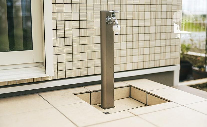 埼玉県 立水栓